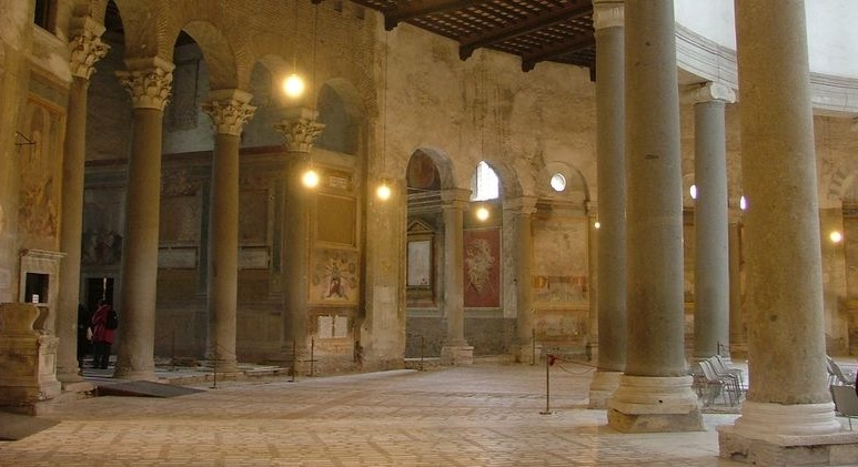 Discovering the Basilica of Santo S...